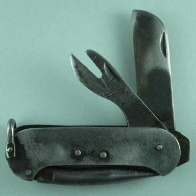 Unknown Australian maker all metal canoe body clasp knife